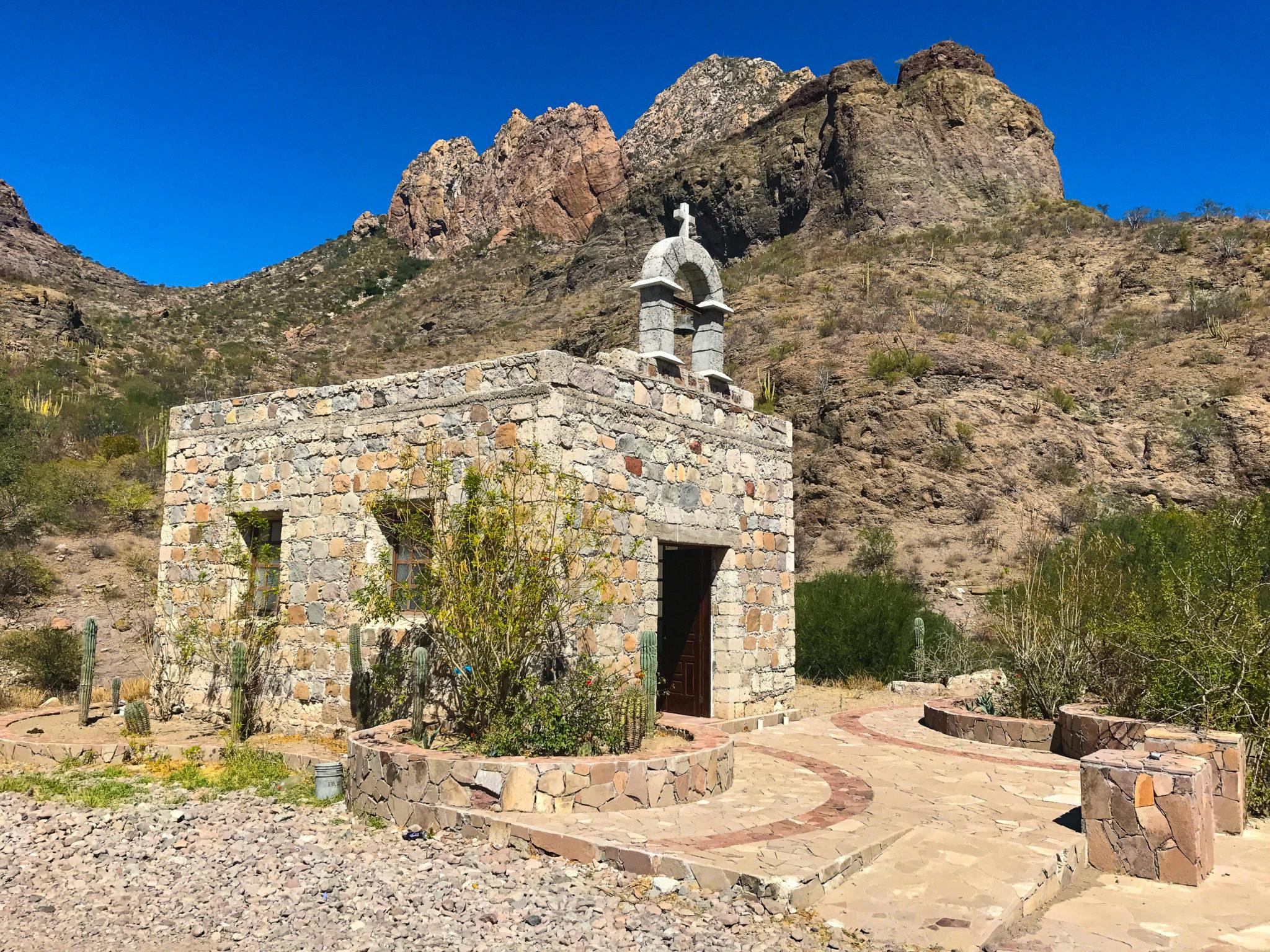 Camino a San Javier, Baja California Sur, México.