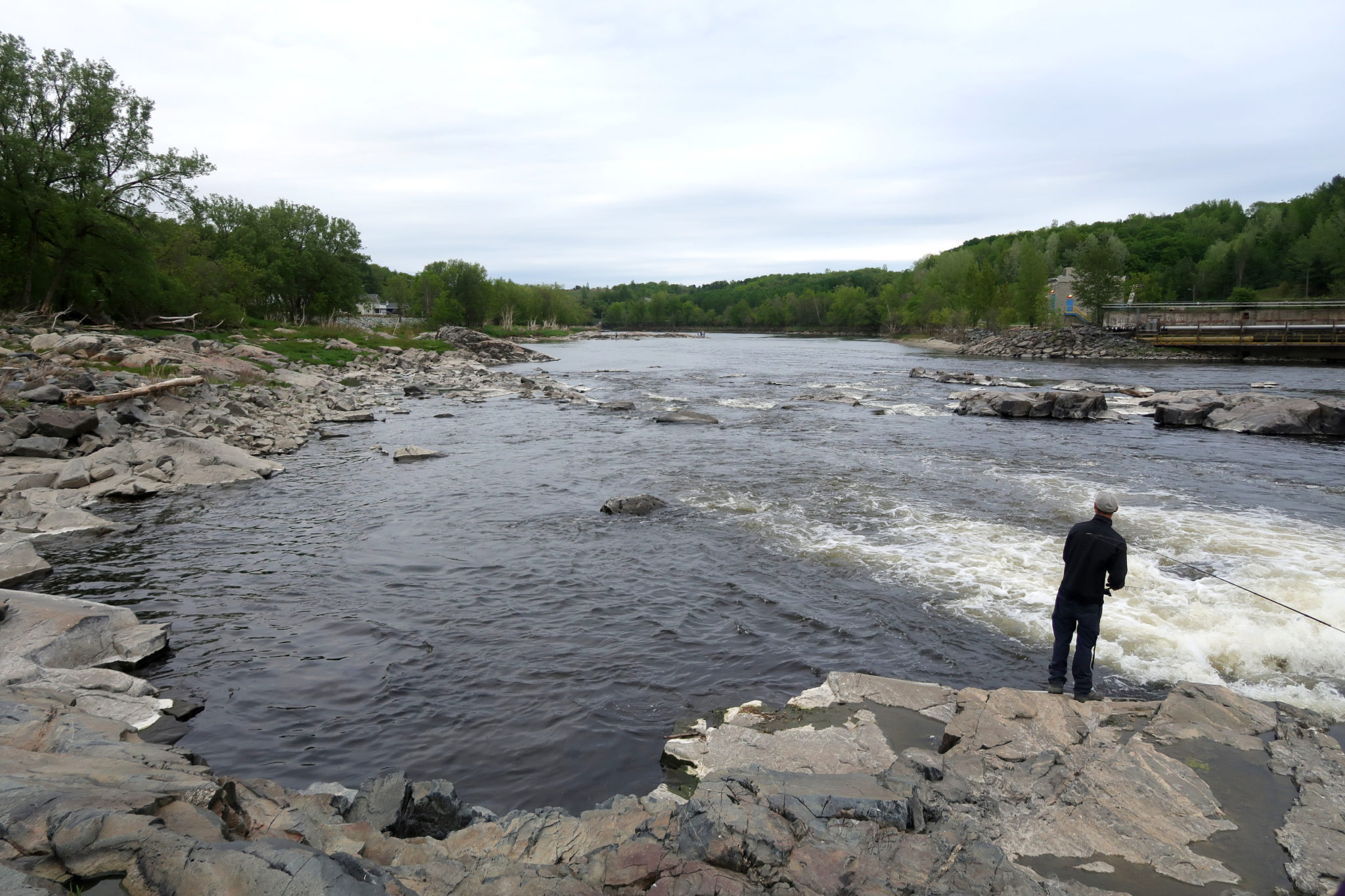 Jour de pêche près de Sherbrooke, Québec.