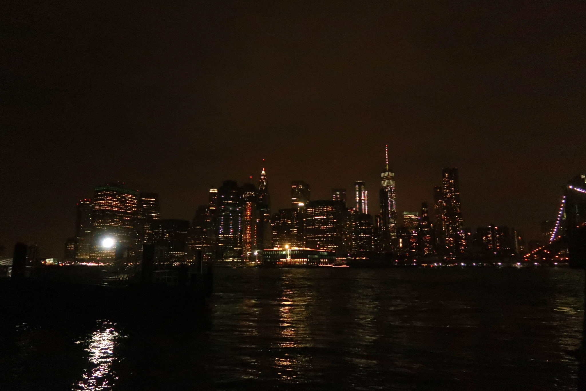 Manhattan de nuit, New York.