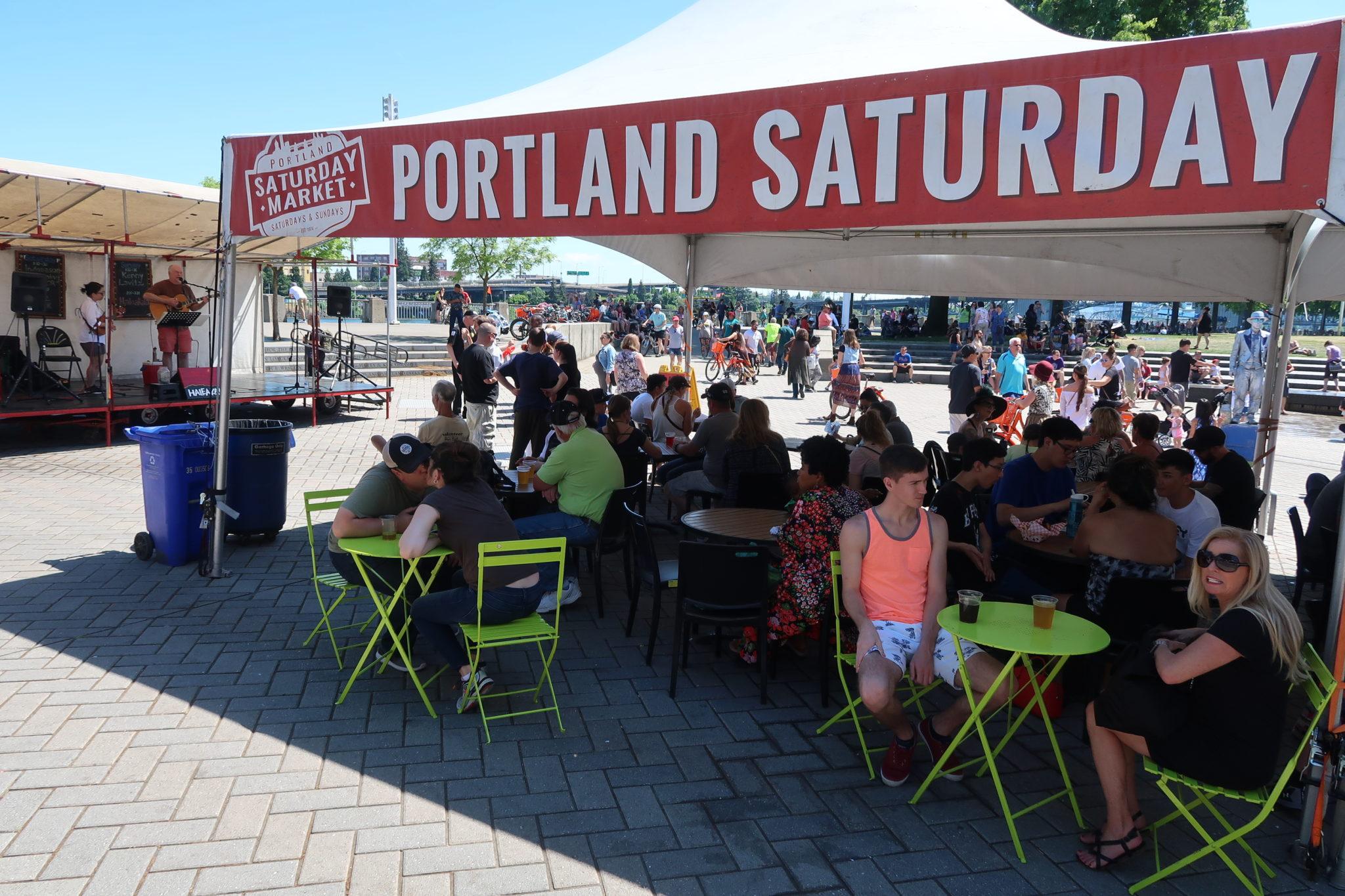Mercado del sábado en Portland, Oregon.
